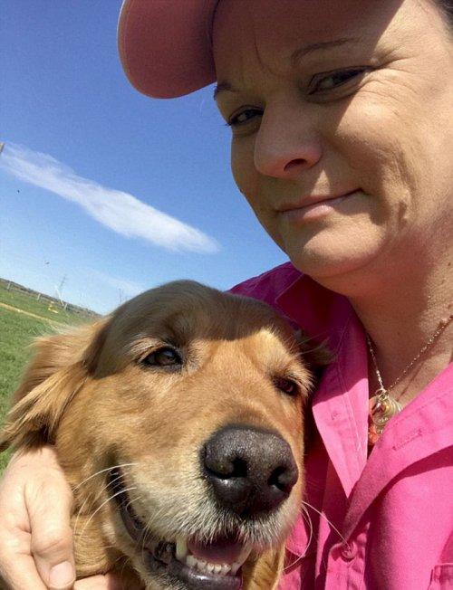 Только в Австралии собака может принести своим хозяевам такой необычный сюрприз с прогулки! (6 фото)