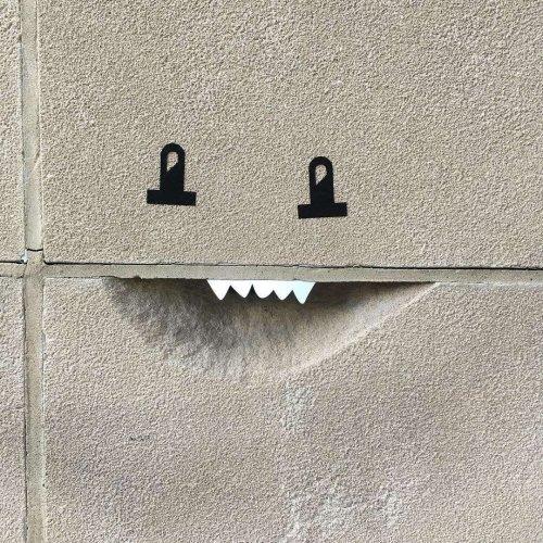 Художник превращает уличные объекты в забавные рожицы, которые не могут не вызвать улыбку (12 фото)