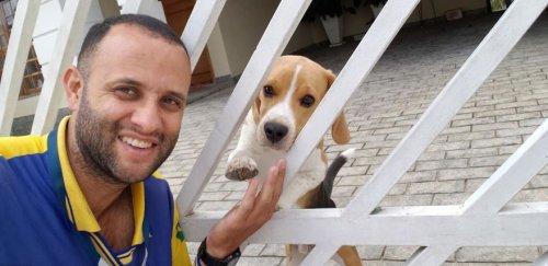Бразильский почтальон стал лучшим другом собак, и эти селфи являются очаровательным тому подтверждением (20 фото)