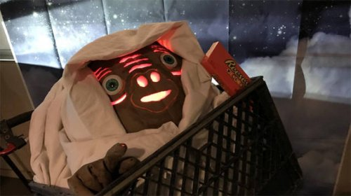 Каждый год накануне Хэллоуина инженеры NASA вырезают тыквы, и они просто космические! (20 фото)