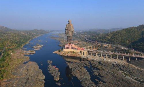 Статуя Единства, возведённая в Индии, является крупнейшей статуей в мире (5 фото)
