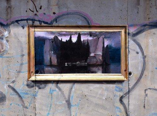 Невероятный стрит-арт в технике тромплея: эти картины, висящие на стене — совсем не картины (9 фото)