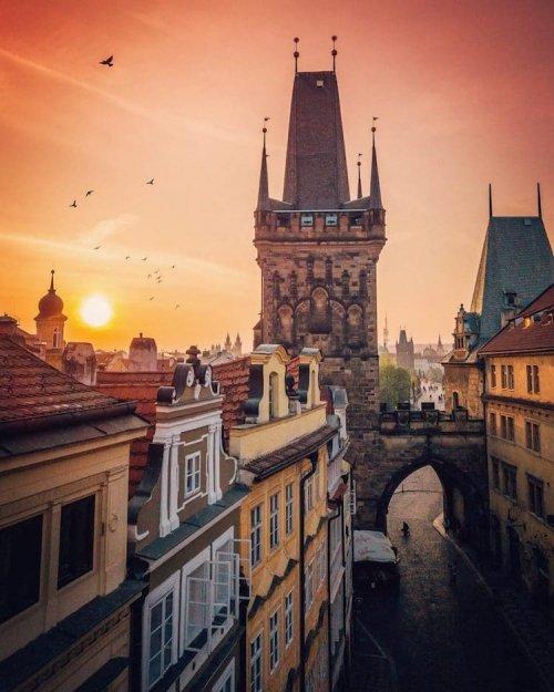 Дрон-фотографии Праги, которые показывают, насколько это действительно сказочный город (10 фото)