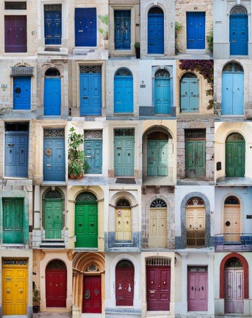 Польская студентка создаёт красочные коллажи дверей из снимков, которые делает в разных странах (4 фото)