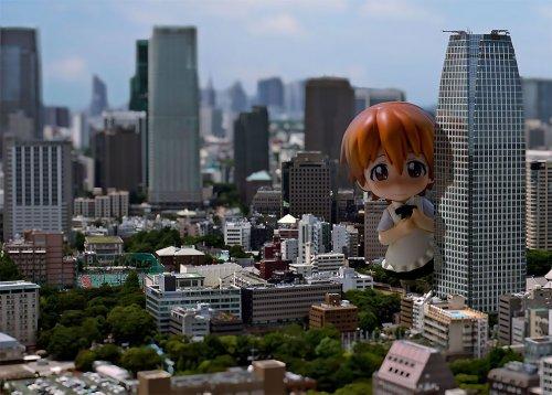С помощью фототрюка Токио превратился в крошечную модель, населённую гигантами (6 фото)