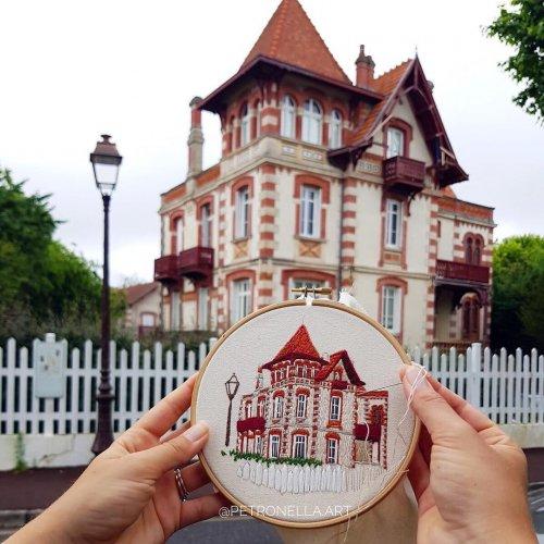 Творческий дуэт воссоздаёт архитектуру европейских городов с помощью вышивки (13 фото)