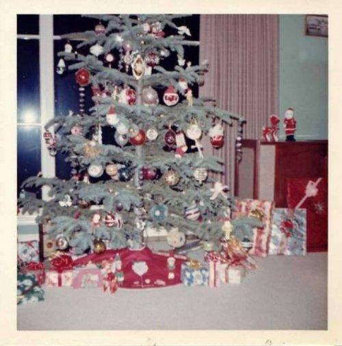 25 фотографий из прошлого, дающих представление о том, как раньше украшали дом к Рождеству