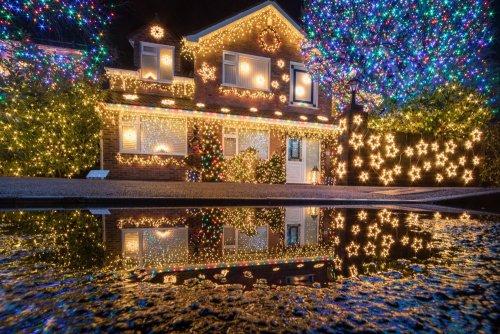 Рождественская иллюминация в разных уголках мира (15 фото)