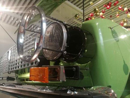 """Необычная автомобильная новогодняя ёлка в Музее """"XX век АВТО"""" (3 фото)"""