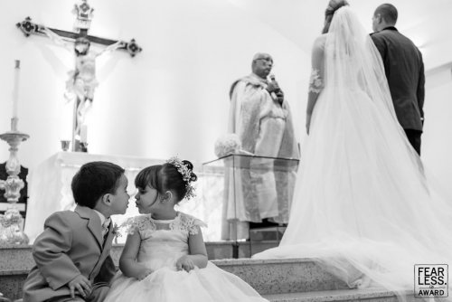 Лучшие свадебные фотографии 2018 года по версии Fearless Photographers (30 фото)