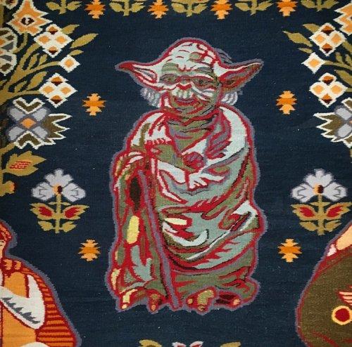 Традиционные украинские ковры с нетрадиционными элементами узора (6 фото)