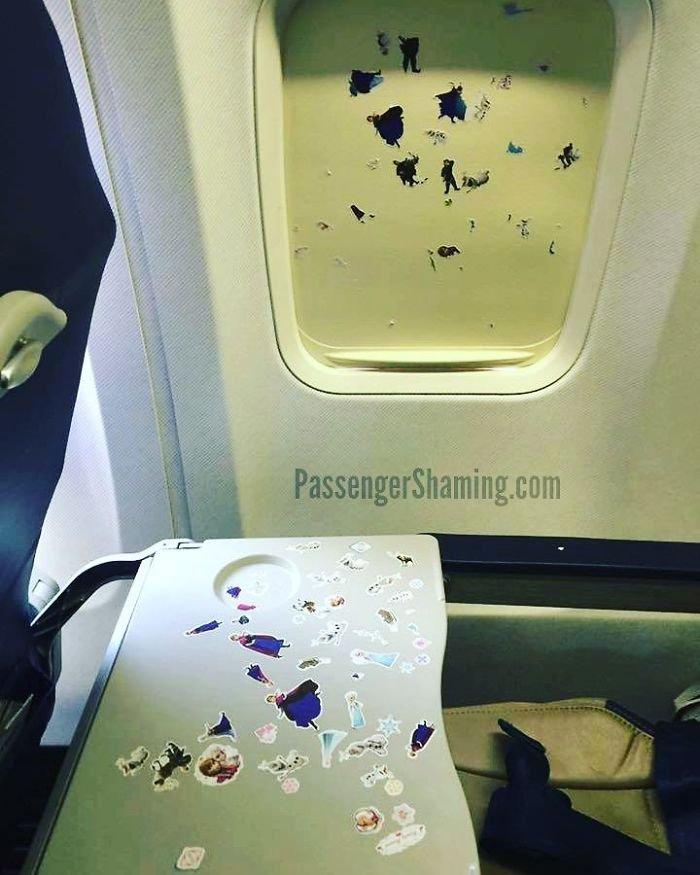 Авиапассажиры, с которыми никому не хотелось бы оказаться на одном рей