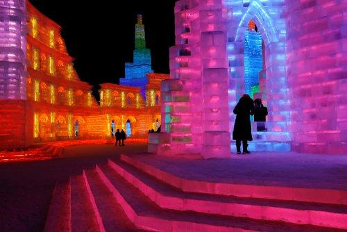 В Харбине в 35-й раз проходит ежегодный фестиваль ледяных и снежных скульптур (19 фото)