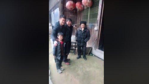 Четыре поколения семьи в одном видео: невероятно трогательный новый вирусный мем из Китая