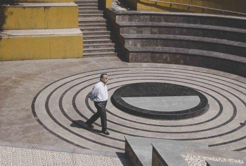 """""""Геометрическая Азия"""": минималистичные уличные фотографии Виктора Моранте (24 фото)"""