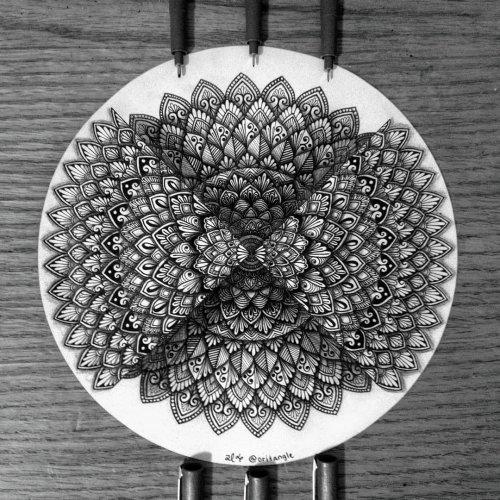 Впечатляющие мандалы и дзен-танглы 15-летней художницы (28 фото)