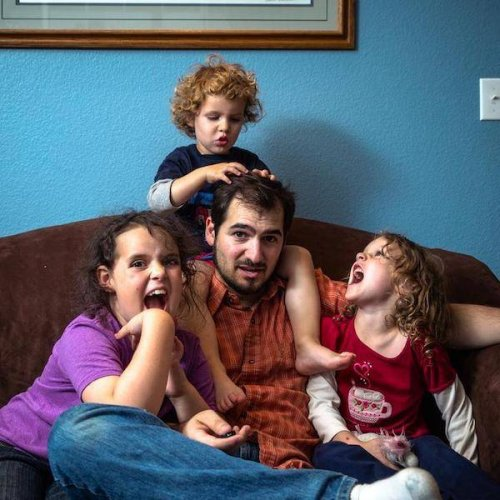 Отцовские будни в прикольных картинках (12 фото)