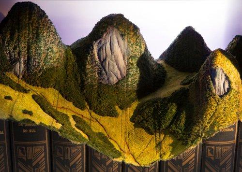 Канадский художник вырезает из старых книг впечатляющие горные ландшафты (10 фото)