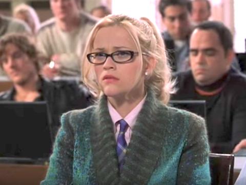 ТОП-10: Факты о юридической школе, показанные в фильме «Блондинка в законе», восемь из которых правдивы, а шесть — нет