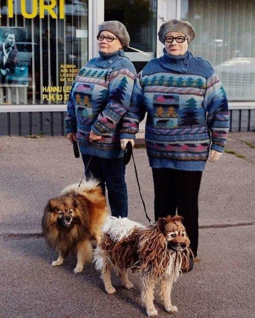 Финская рукодельница вяжет двойников своих односельчан, которых почти не отличить от реальных людей (9 фото)