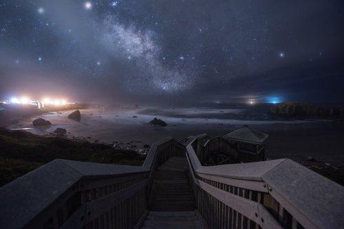 Фантастические ночные пейзажи, вдохновлённые космосом, звёздами и видеоиграми (15 фото)