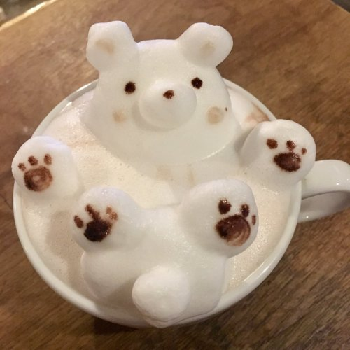 Токийское кафе, где вам сделают потрясающий кофе с 2D и 3D рисунком на ваш выбор (25 фото)