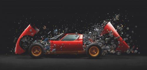 """Винтажный Lamborghini Miura стоимостью 2 миллиона долларов """"взрывается"""" на тысячи кусочков в фотопроекте Фабиана Эфнера (8 фото + видео)"""