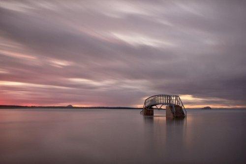 Мост в никуда: необычный мост Белхейвен в Шотландии (7 фото)