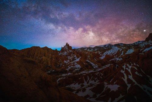 Трэвел-фотограф Альберт Дрос отправился в Кыргызстан и исследовал неизвестный и захватывающий дух каньон (23 фото)