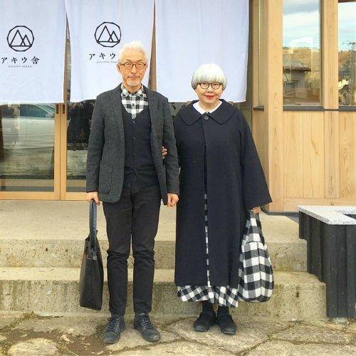 Супружеская пара из Японии, которая всегда одевается в одном стиле (15 фото)