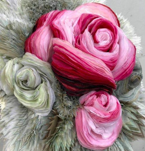 Потрясающие бумажные цветы датской художницы (16 фото)