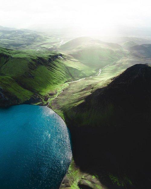 Исландия сверху в захватывающих фотографиях Габора Надя (20 фото)