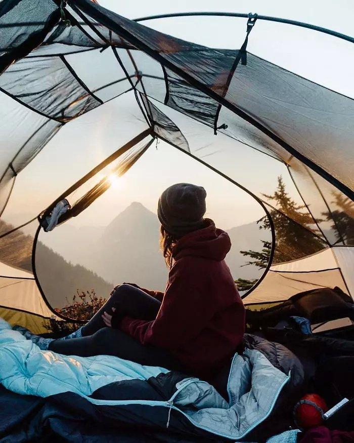 поцелуя фото прозрачная палатка спустя