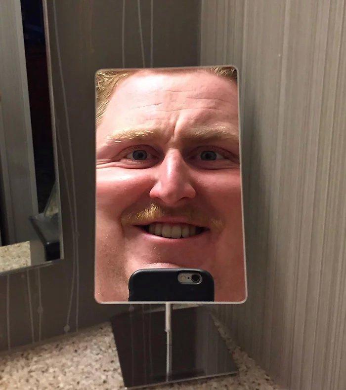 лишь смешные фото с отражения зеркал теперь