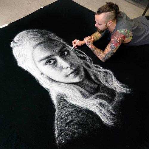 Хорватский художник, который рисует... солью (3 фото + 2 видео)