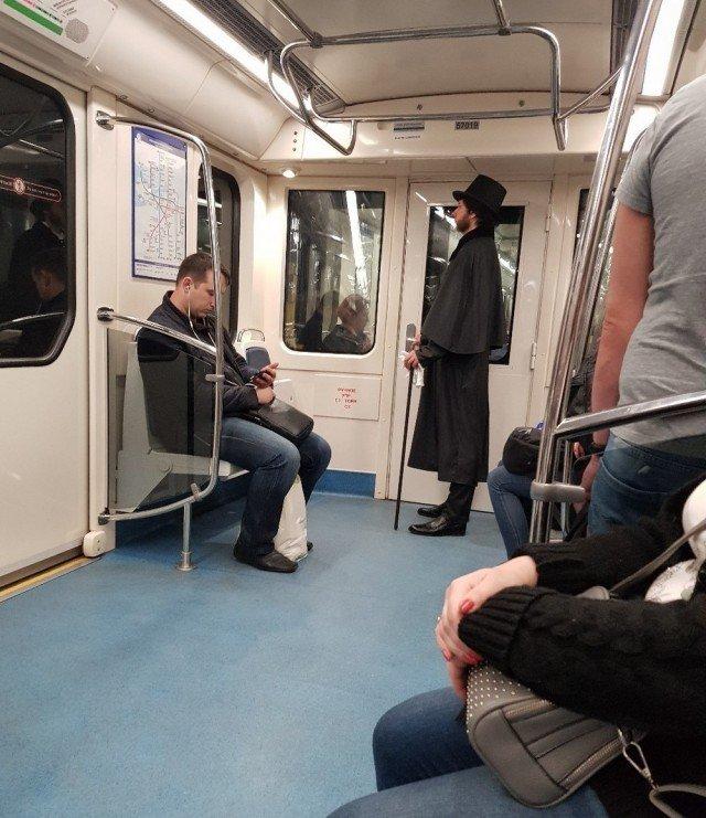 фото пассажиров в метро сердца