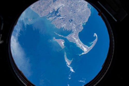 Виды сверху: последние восемь месяцев на орбите (24 фото)
