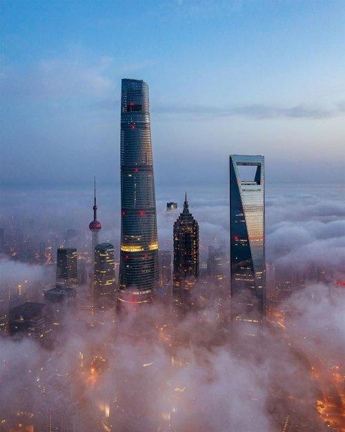 Захватывающие городские пейзажи Шанхая в фотографиях Аарона Шао (18 фото)