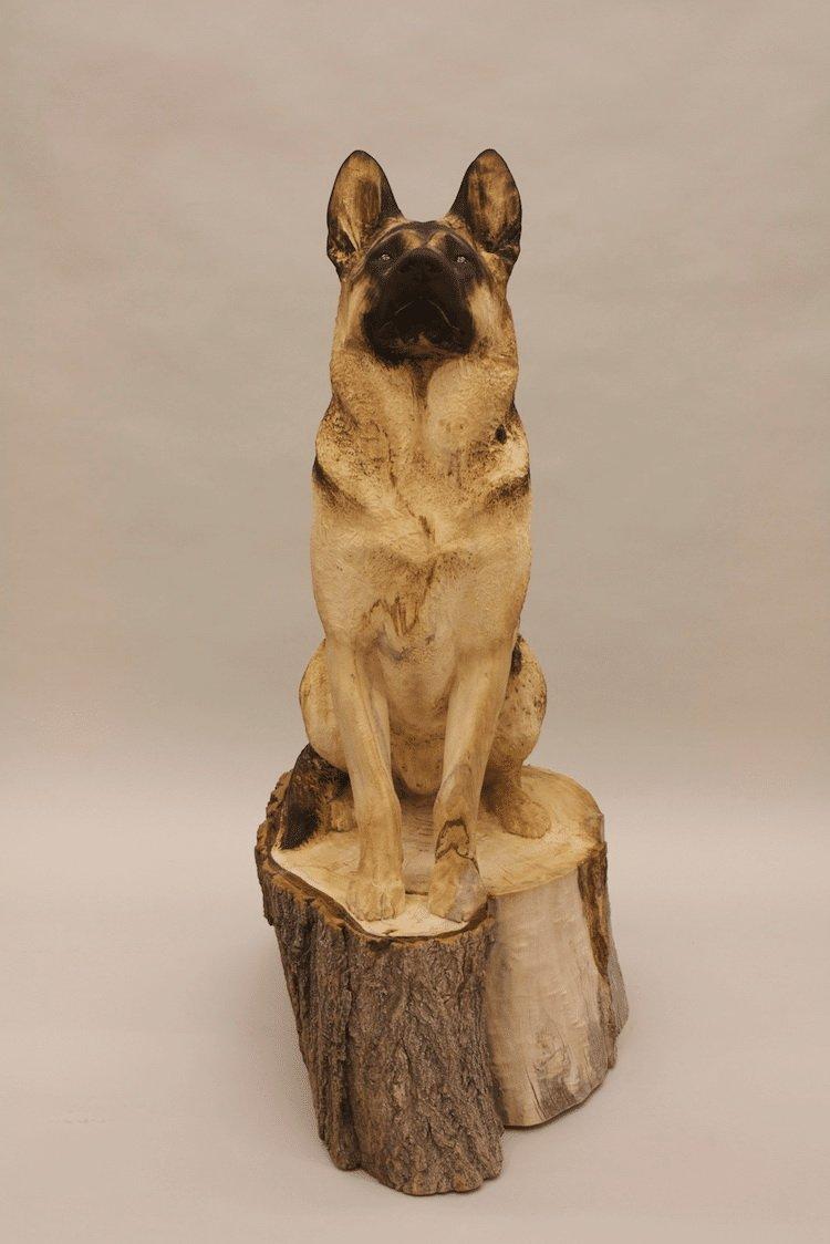 Художник вырезает невероятно реалистичные скульптуры домашних животных