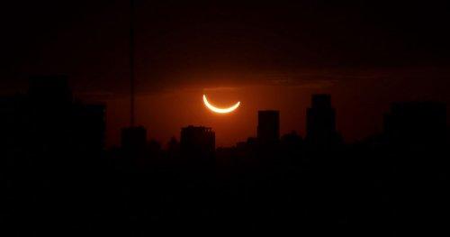 Фотографии полного солнечного затмения, единственного в 2019 году (8 фото)