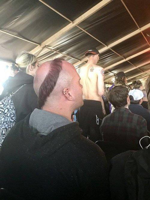 Смешные фотки людей, которым пора сменить парикмахера