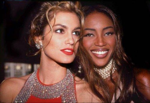 Архивные фотографии знаменитостей, сделанные в 1990-х годах (23 фото)