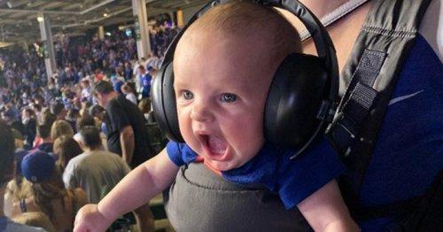 Малыш на бейсбольном матче стал героем фотошоп-битвы (23 фото)