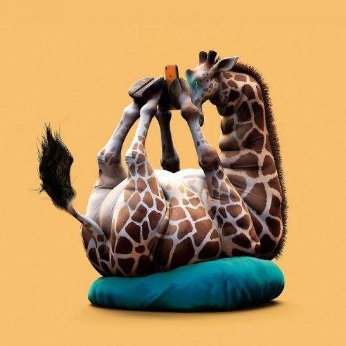 Китайский художник высмеял современное поколение ленивых, изобразив животных, одержимых гаджетами (18 фото)