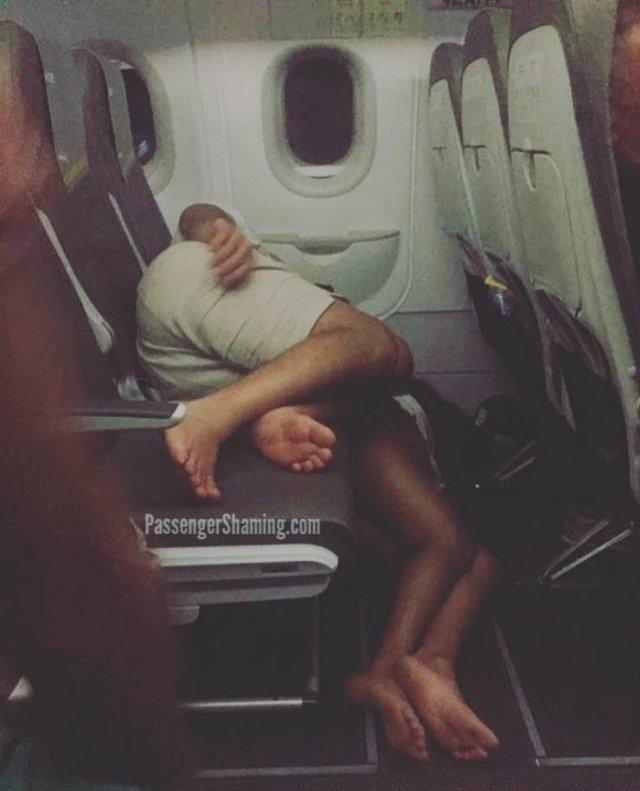 Стюардесса рассказала, как она мстила неприятным пассажирам