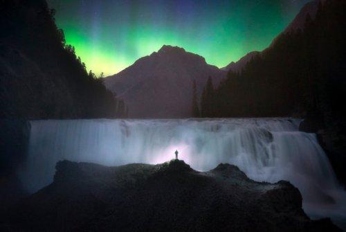 Пейзажный фотограф делает самые живописные и необычные селфи (7 фото)