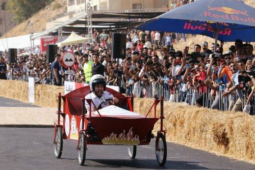 В Иордании прошла гонка на самодельных болидах Red Bull Soapbox Race (10 фото)