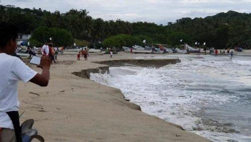 Пуэрто-Эскондидо: мексиканский пляж, уходящий под воду (3 фото)