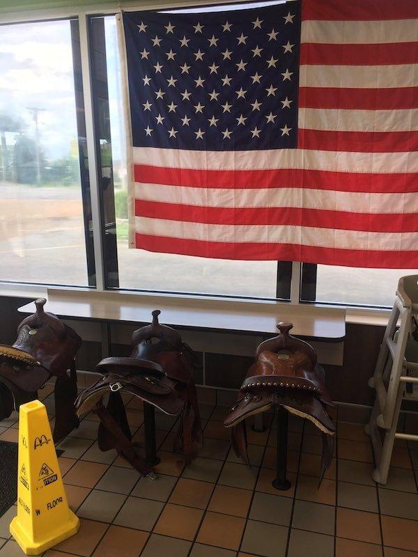 прикольные картинки ты живешь в америке завтрак каша