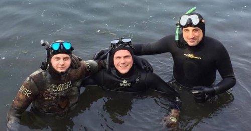 В очищенный краснодарский водоем выпустили мальков (3 фото)